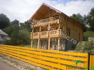 cabana din lemn rotund stelian 4