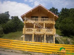 cabana din lemn rotund stelian 5
